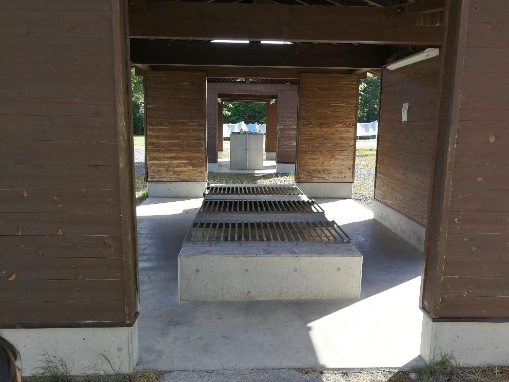 屋根付き野外炉